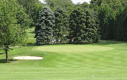 <b>HOLE #4 I PAR 4 I 364 YARDS BLUE TEES </b> 